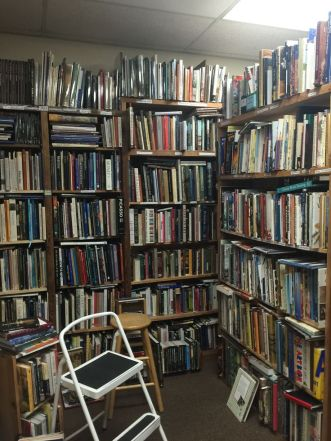 fd64847c8dfa03af624902138a20456f--bookstores