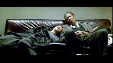 morgan_freeman_brad_pitt_asleep_on_sofa_seven
